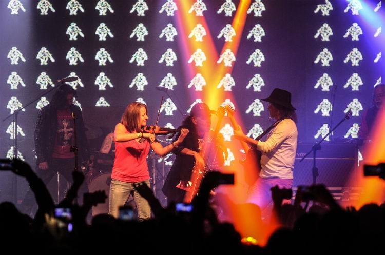 Los músicos de Alux Nahual demostraron la habilidad con los instrumentos