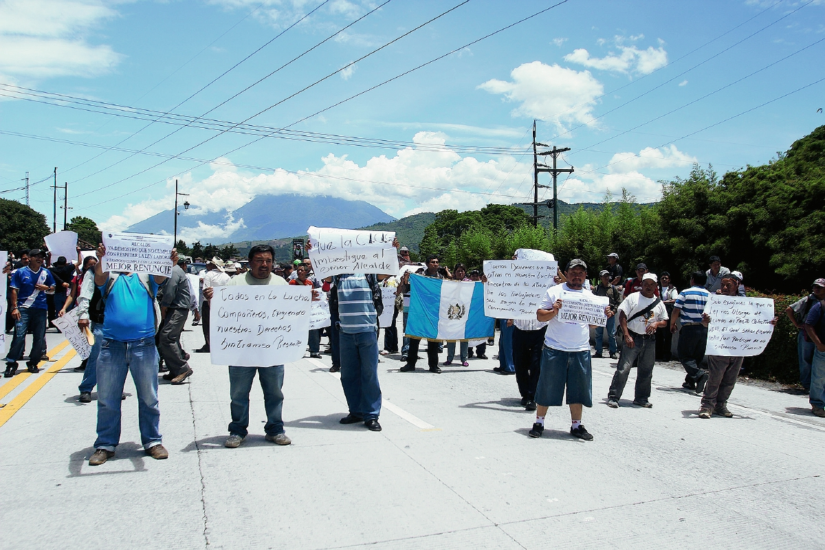 Trabajadores de comuna bloquean ingreso a  Antigua Guatemala