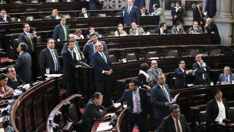 Algunos diputados buscan su reelección con otras organizaciones políticas. (Foto Prensa Libre: Hemeroteca PL)