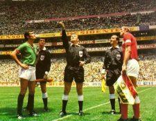 El partido entre México y URSS fue histórico por ser el primero que se transmitió en televisión a colores. (Foto Prensa Libre: Redes).