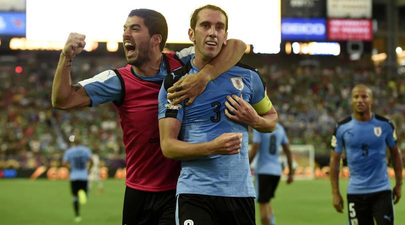 Luis Suárez y Diego Godín son pilares fundamentales para Uruguay. (Foto Prensa Libre: Hemeroteca PL)