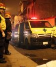 Socorristas hallan el cadáver de un hombre con señales de violencia en zona 7. (Foto Prensa Libre: Cortesía @bomberosmuni)