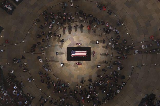 Tras su fallecimiento, Bush fue homenajeado en la Rotonda del Capitolio, en Washington D.C. GETTY IMAGES