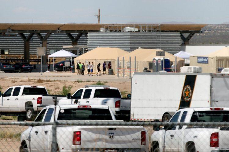 Así se observa el campamento en Tornillo, Texas, desde el Valle de Juárez, Chihuahua, México.