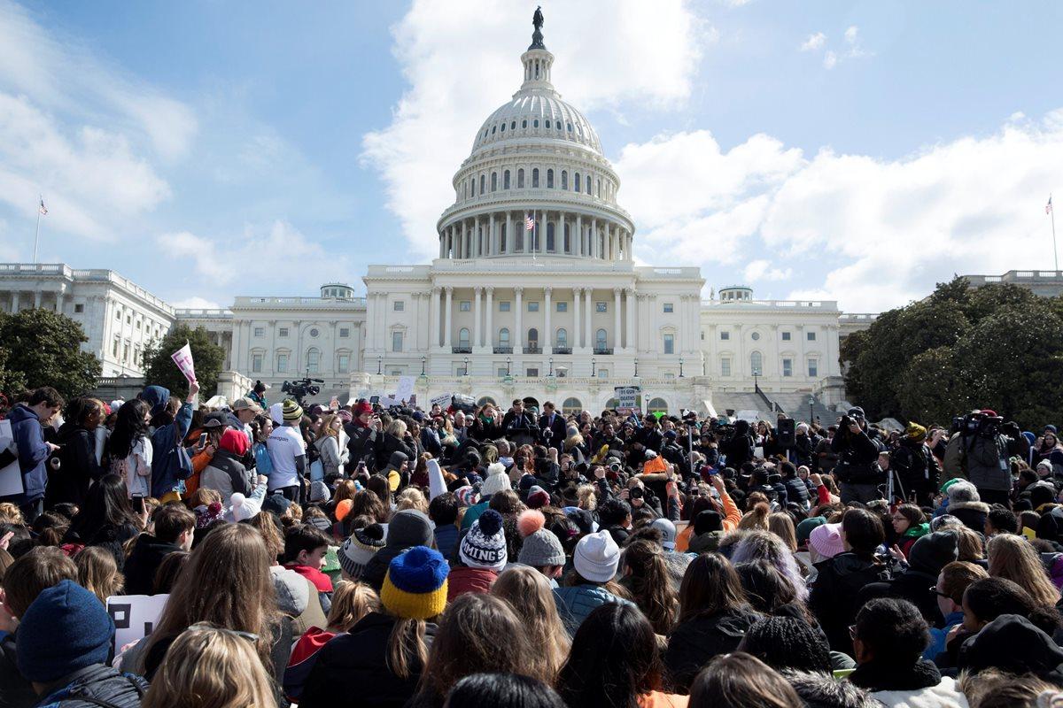 Miles de estudiantes se levantan contra las armas en todo Estados Unidos