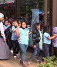 Las niñas de la Casa Hogar Nuestra Señora de los Remedios de Jalapa, disfrutaron de un momento lleno de alegría en un parque de diversiones.(Foto Prensa Libre: Álvaro González)