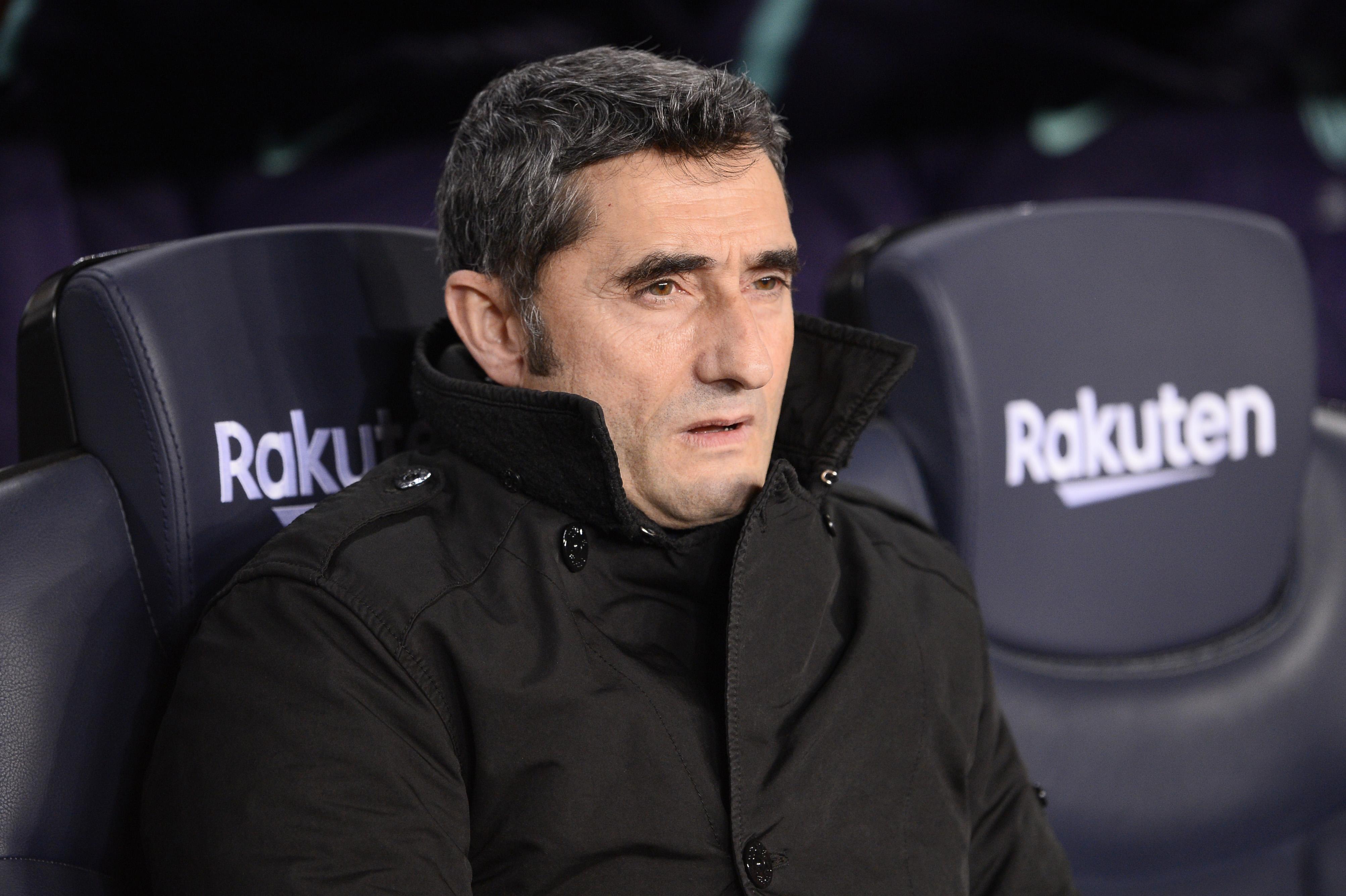 Ernesto Valverde, entrenador del FC Barcelona, puede respirar tranquilo después de que la RFEF desestimó el recurso del Levante por alineación indebida. (Foto Prensa Libre: AFP)