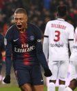Kylian Mbappé anotó un triplete en la victoria del PSG contra el Guingamp. (Foto Prensa Libre: AFP)