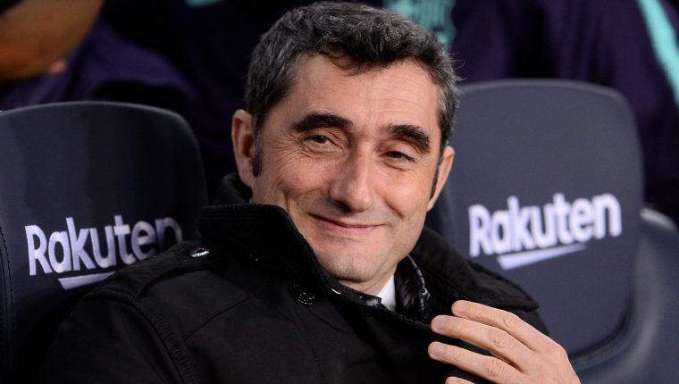 Ernesto Valverde contará con todas las figuras del Barcelona para el partido de vuelta contra el Sevilla. (Foto Prensa Libre: AFP)