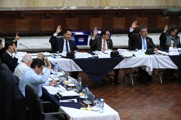 Durante cuatro días, la comisión postuladora evaluó los expedientes de 30 candidatos a dirigir el MP. (Foto Prensa Libre: Carlos Hernández)