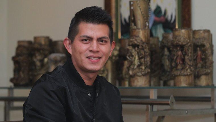 José Roberto Berganza Guzmán, originario de El Salvador, relató a <em>Prensa Libre</em>, esta noche que la tragedia en el volcán Acatenango, parecía una película de miedo. (Foto Prensa Libre: Álvaro Interiano)