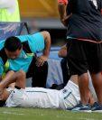 El jugador de Comunicaciones Rafa Morales refleja el dolor después de fracturarse. (Foto Prensa Libre: Carlos Vicente)