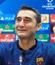 Ernesto Valverde, técnico del Barcelona, enfrentará al Olympiacos griego, al que ha dirigido en dos ocasiones. (Foto Prensa Libre: EFE).