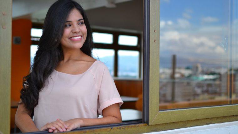 La guatemalteca Karla Noack interpreta Luna de Xelajú. (Foto Prensa Libre: Ángel Elías)