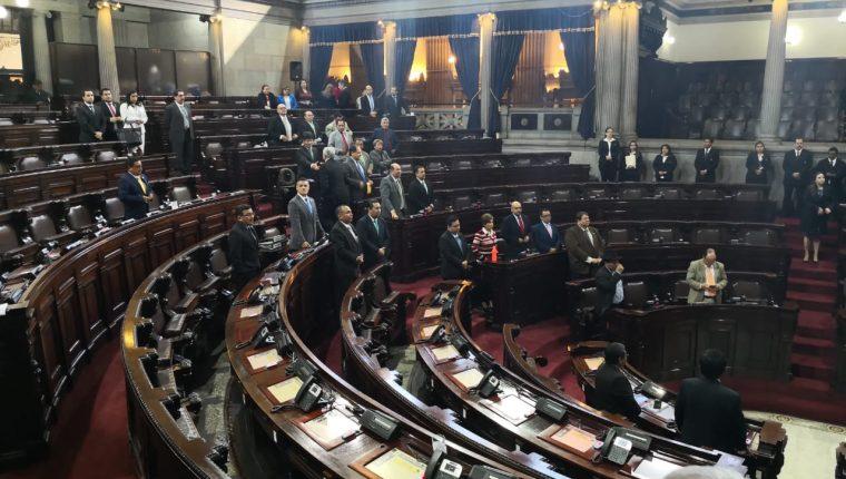 Durante la sesión plenaria de este martes continúo la interpelación del ministro de Desarrollo Social Carlos Velásquez Monge. (Foto Prensa Libre: Carlos Álvarez)