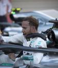 El podio británico Lewis Hamilton dio un gran paso en Japón para coronarse campeón en el Mundial de F1. (Foto Prensa Libre: AFP)