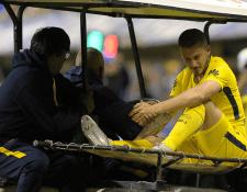 Darío Benedetto podría estar fuera entre seis y ocho meses por una lesión en la rodilla. (Foto Prensa Libre: AFP)