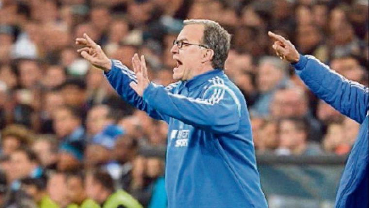 Luego del año sabático, Marcelo Bielsa volverá a dirigir la próxima temporada. (Foto Prensa Libre: Hemeroteca PL)