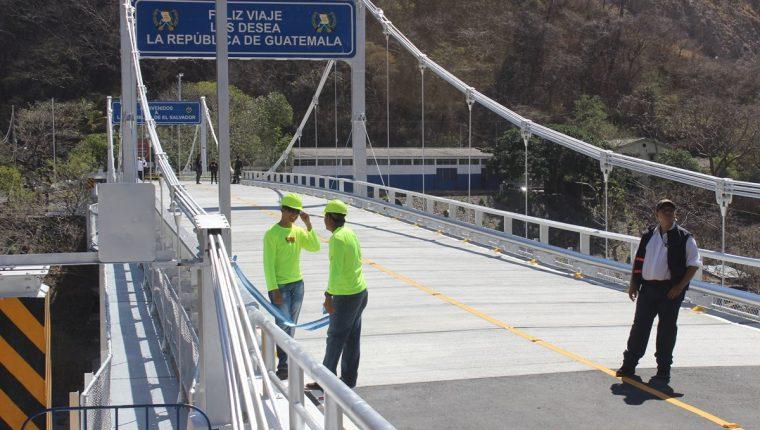 Puente une a Guatemala con El Salvador. (Foto Prensa Libre: Óscar González).