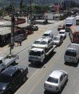 Tránsito en ruta Interamericana será complicado por traslado de antorchas. (Foto Prensa Libre: Víctor Chamalé)