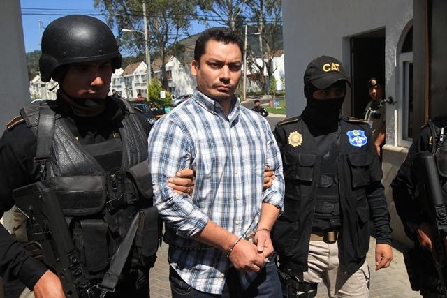 Pedro Benjamín Rivas Zelaya, apodado Snaiper, pandillero salvadoreño que traficaba armas. (Foto Prensa Libre: Hemeroteca PL)