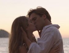 Camila Sodi y Diego Boneta... ¿se besan por profesión o por amor? (Foto Prensa Libre: Instagram / Netflix)