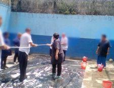 Varios juegos realizaron los internos del correccional Las Gaviotas informó la Secretaría de Bienestar de la Presidencia. (Foto Prensa Libre: Cortesía SBS)