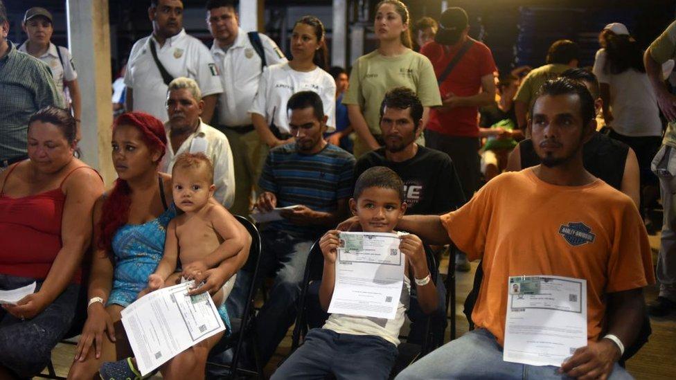 El número de quienes piden asilo en México aumentó en las recientes caravanas de migrantes. GETTY IMAGES