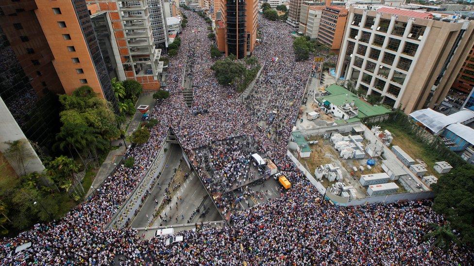 La población no se movilizaba de una forma tan masiva desde la la de protestas antigubernamentales de 2017. GETTY IMAGES