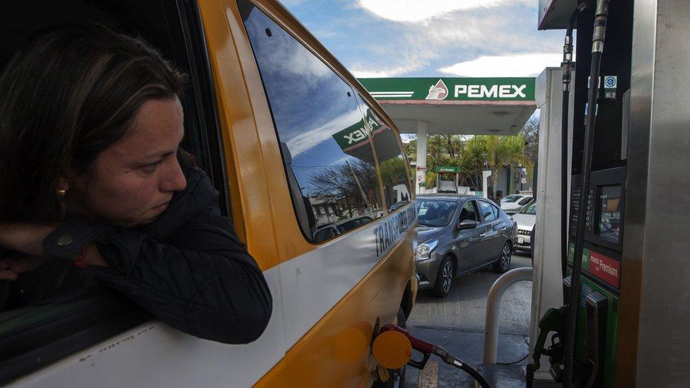 ¿Podrá sacar provecho Pemex de las sanciones de Estados Unidos sobre la venezolana PDVSA?