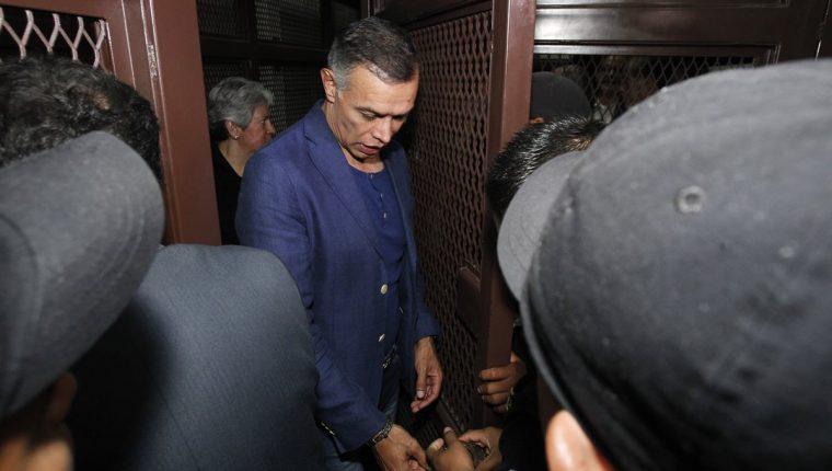 El expresidente de la Junta Directiva del IGSS, Juan de Dios Rodríguez, y otros nueve acusados en el casoIGSS-Pisa fallaron en su intento por salir de prisión y cumplir arresto domicilario. (Foto Prensa Libre: Hemeroteca)