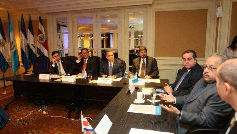 El CACIF recibió a los empresarios de la región. (Foto Prensa Libre: A. Interiano)