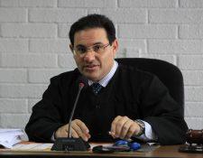 El juez de Extinción de Dominio, Marco Antonio Villeda, es separado de los casos de Otto Pérez Molina, (Foto Prensa Libre: HemerotecaPL)