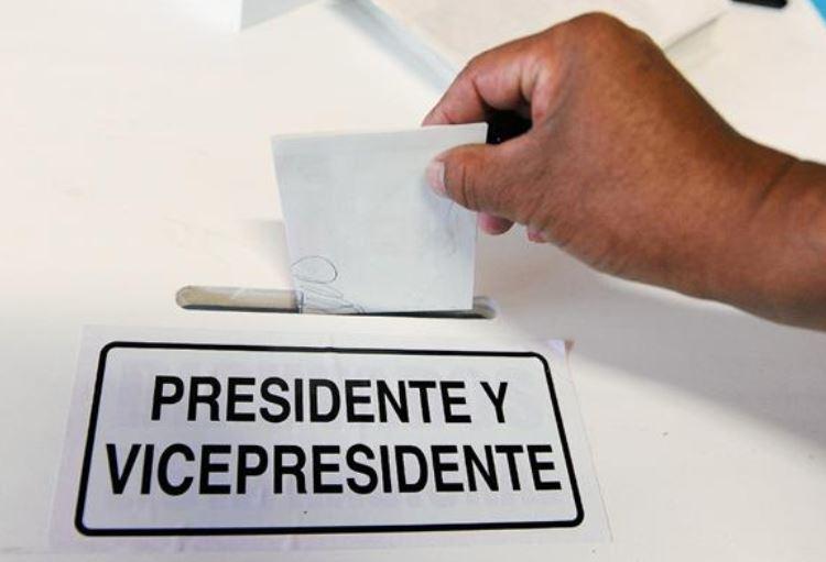 Los partidos políticos aún no revelan a quiénes proclamarían como binomio presidencial, pero aseguraron que presentarán opciones distintas a la población. (Foto Prensa Libre: Hemeroteca)