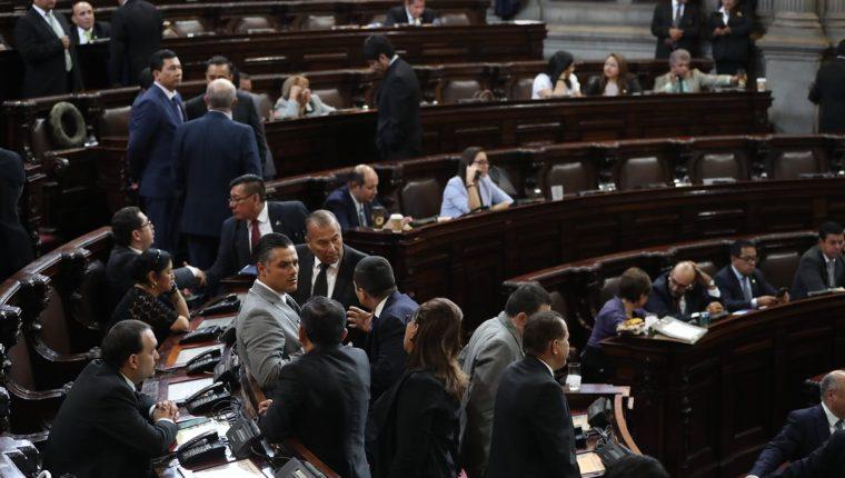 Varios diputados tránsfugas buscan bloquear la agenda legislativa hasta que se aprueben reformas a la Ley Electoral y se les permita reelegirse. (Foto Prensa Libre: Hemeroteca PL)