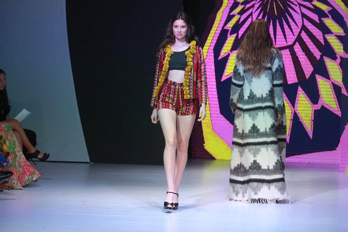 Textiles guatemaltecos y colores vibrantes reinan en el cierre del MBFGT 2016