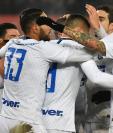 Los jugadores del Inter de Milán, tercero en el Calcio, esperan recortar distancia con el Nápoli. (Foto Prensa Libre: EFE)