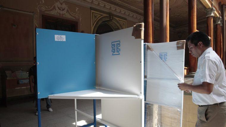Se tiene previsto que 18 binomios presidenciales se puedan inscribir para el próximo proceso electoral. (Foto Prensa Libre: Hemeroteca PL)