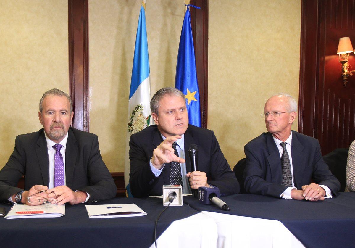 G-13 y Gobierno buscan agilizar uso de donaciones en 2017