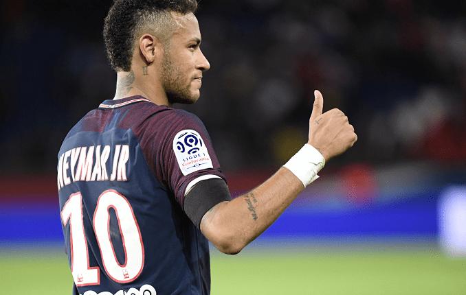 El delantero brasileño Neymar ha mantenido problemas legales con el Barcelona. (Foto Prensa Libre: AFP)