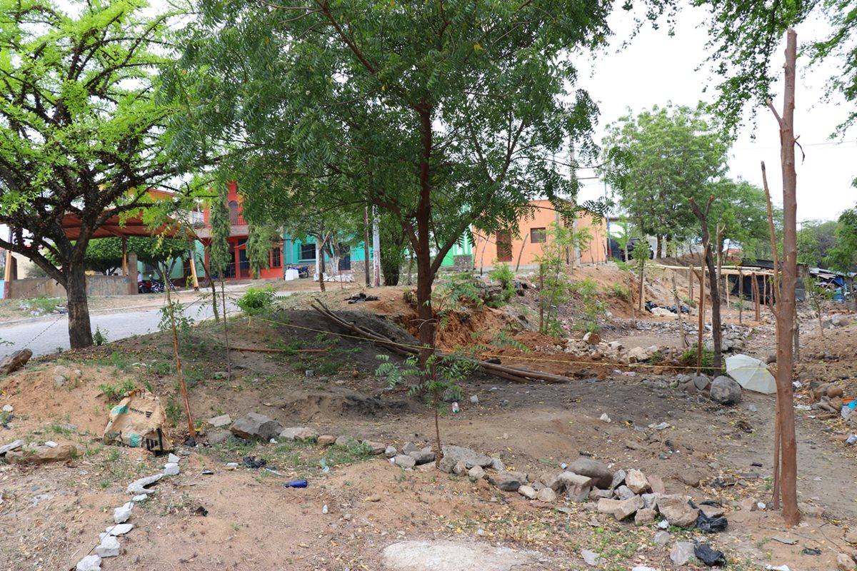 Invasión de terreno causa controversia entre vecinos de Chiquimula