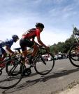 Los ciclistas deberán pelear con el ascenso y el tramo de terracería para cumplir con la cronoescalada. (Foto Prensa Libre: Carlos Vicente)