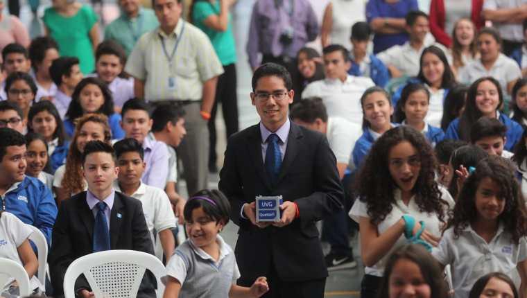 """José Miguel Ortega Yung, es el ganador del concurso """"Ponle nombre al primer satélite guatemalteco"""", organizado por la Universidad del Valle de Guatemala. (Foto Prensa Libre: Érick Avila)"""