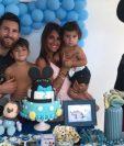 Leo, Thiago, Antonella festejan el segundo cumpleaños de Mateo Messi. (Foto Prensa Libre: Instagram Leo Messi)