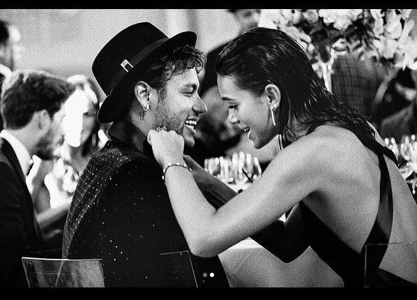 Neymar y Bruna derrochan amor en las redes sociales. (Foto Prensa Libre: Instagram Bruna Marquezine)