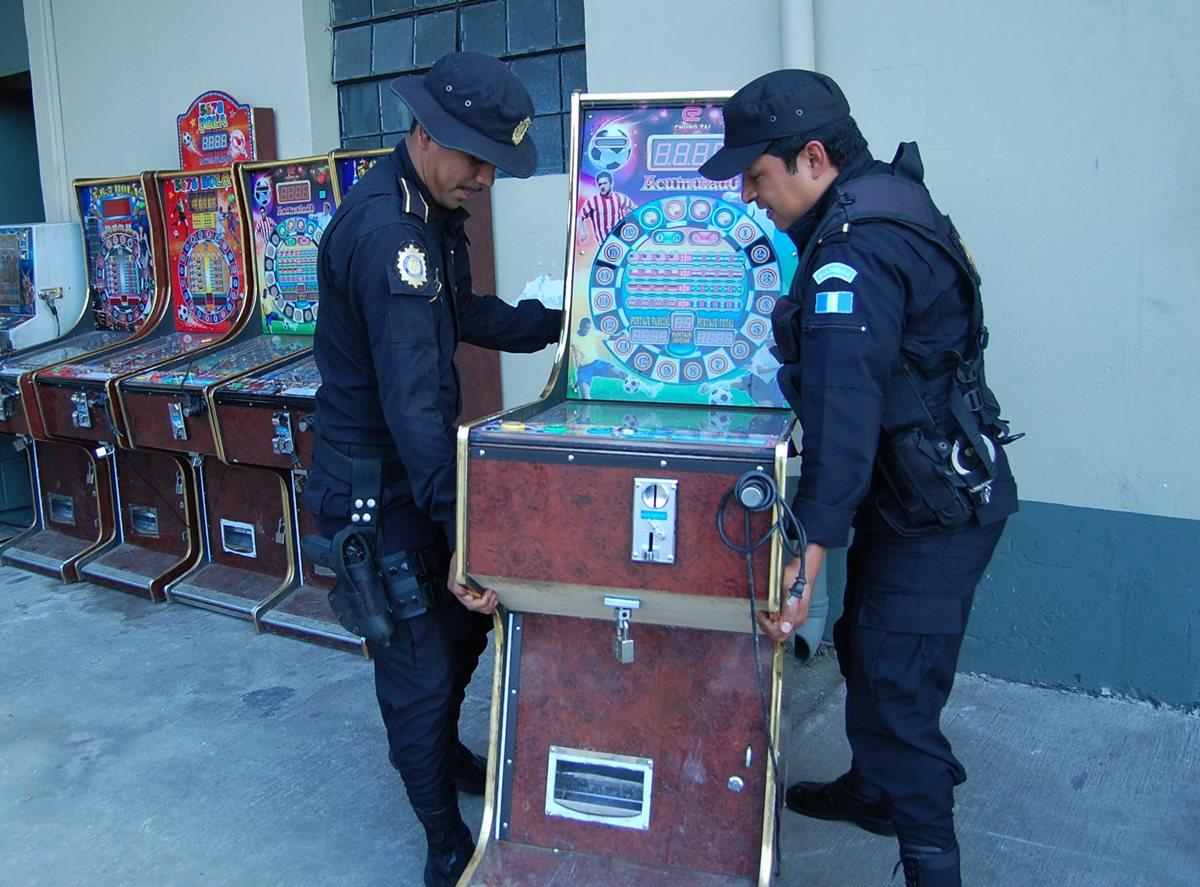 Policía decomisa 19 máquinas tragamonedas en Chimaltenango