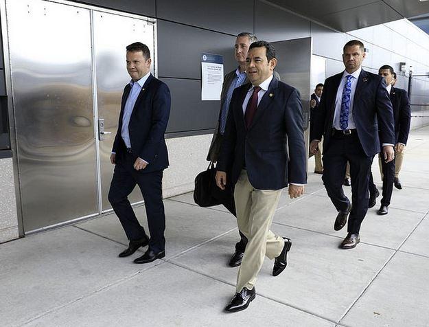 El presidente Jimmy Morales llega a Washington para participar en una reunión con autoridades de EE. UU. (Foto Prensa Libre: SCSP).