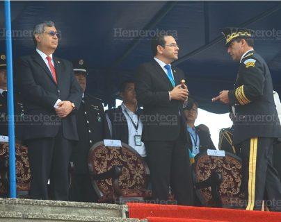 El presidente Morales ha recibido Q450 mil en bonos del Ministerio de la Defensa en los últimos ocho meses. (Foto Prensa Libre: Hemeroteca PL)