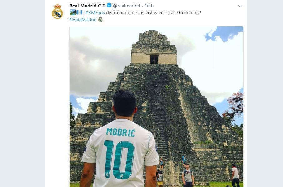 La fotografía de José Roberto Matheu fue compartida por la cuentas oficiales del Real Madrid en las redes sociales. (Foto Prensa Libre: Twitter)