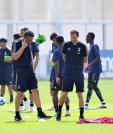 El técnico Massimiliano Allegri defendió la ausencia de Cristiano Ronaldo en la ceremonia de The Best. (Foto Prensa Libre: EFE)
